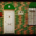 Как восстановить и покрасить старые деревянные двери своими руками